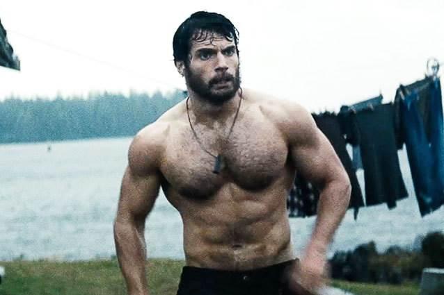 Henry Cavill workout1 - DVRT Man of Steel Ultimate Sandbag Workouts