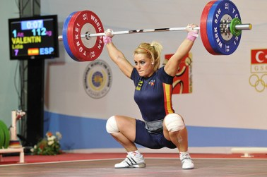 snatch - Can Your Knees Go Towards Your Toes?